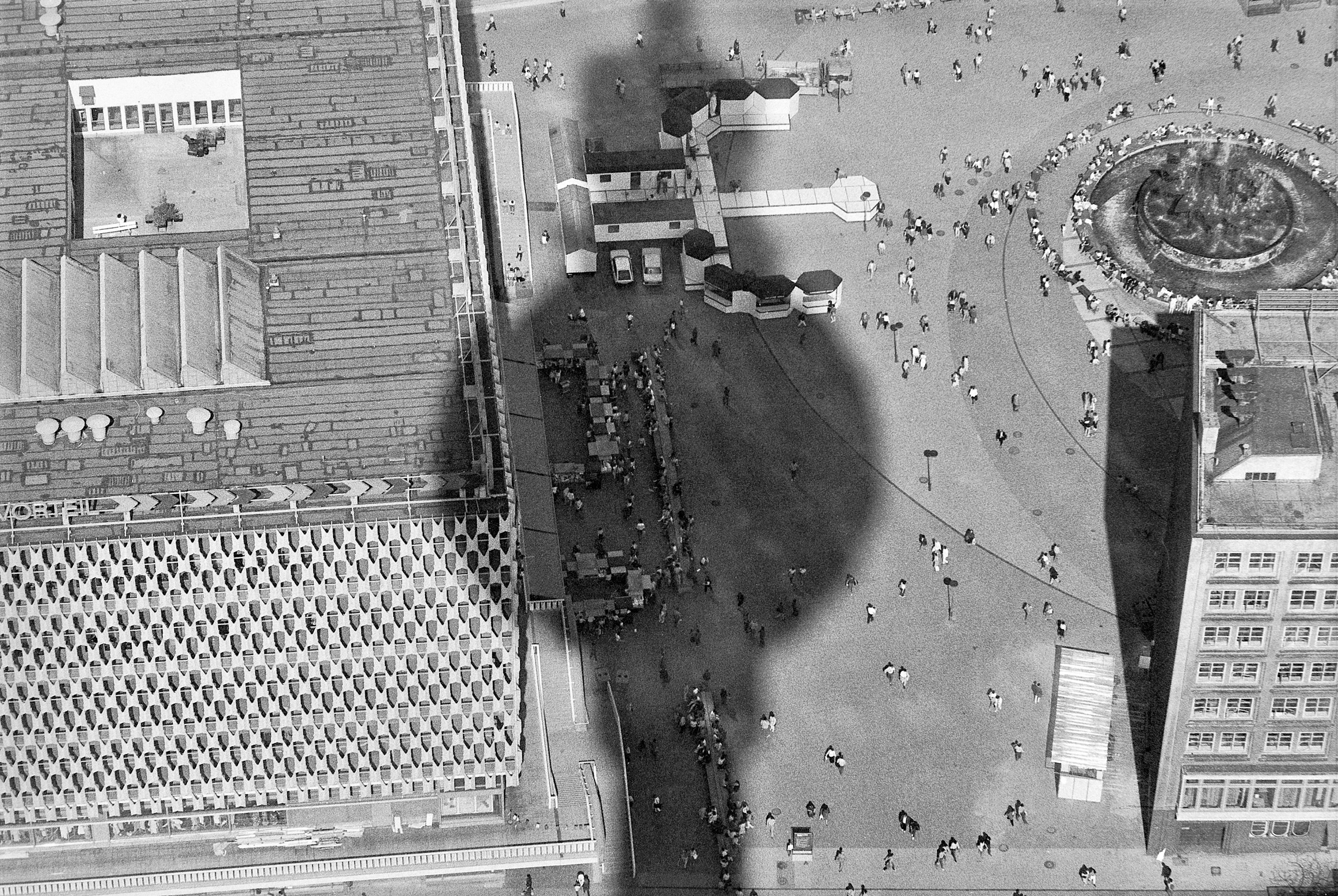 Berlin, 1945–2000: verlängert bis Ende Mai