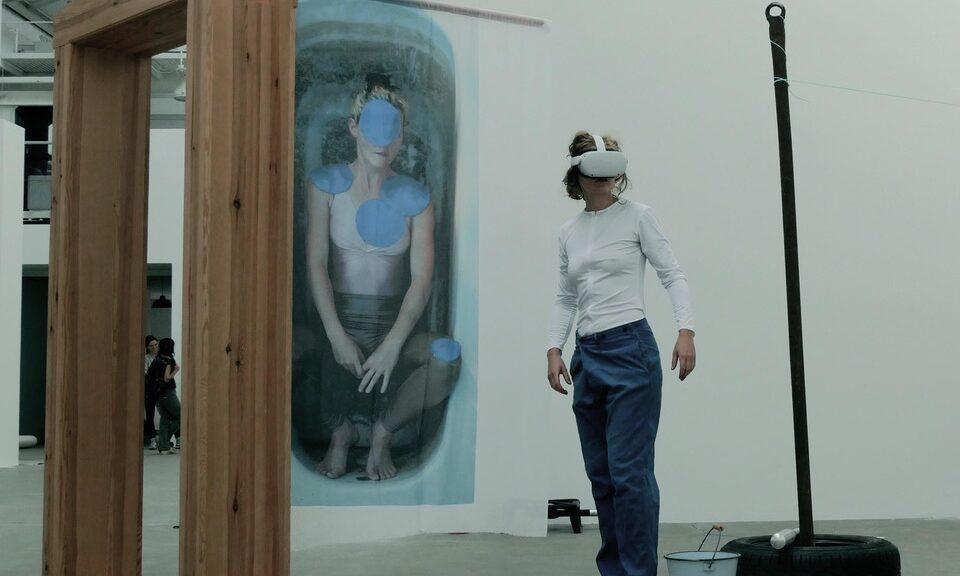Performance reclaim virtual-reality von Therese Lippold, Reinbeckhallen 2021 | © Katja Neubert